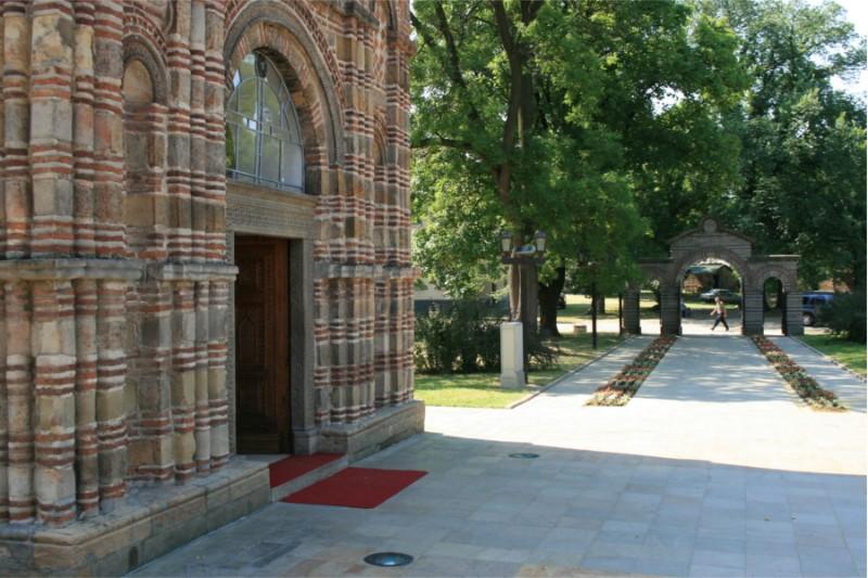 Crkva-Lazarica-02
