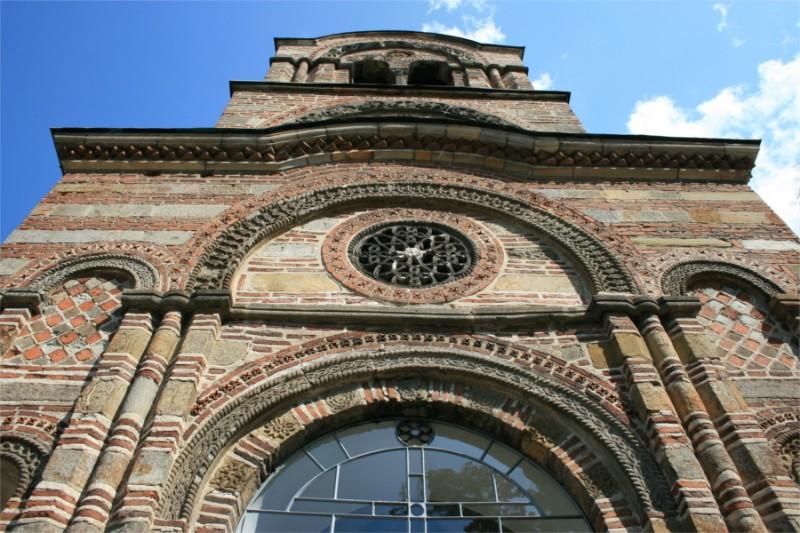 Crkva-Lazarica-prednja-strana-zapad