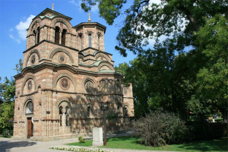 Crkva-Lazarica-ulaz-i-juzna-strana