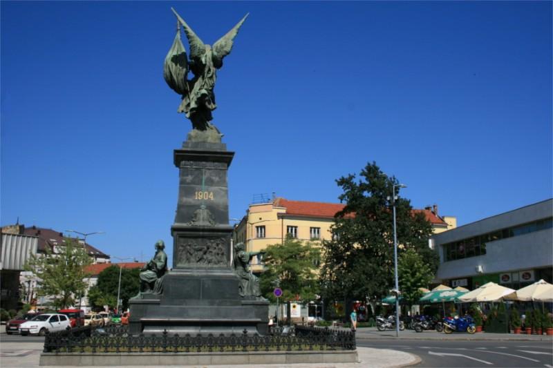 spomenik-kosovskim-junacima-01