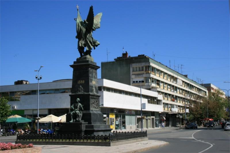 spomenik-kosovskim-junacima-03