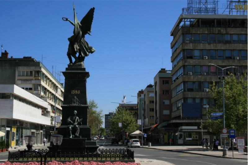 spomenik-kosovskim-junacima-04