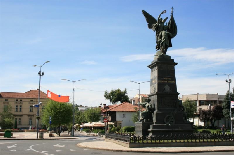 spomenik-kosovskim-junacima-05