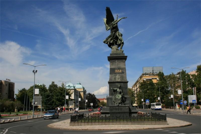 spomenik-kosovskim-junacima-06
