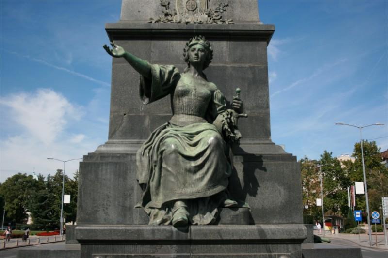 spomenik-kosovskim-junacima-detalj-02