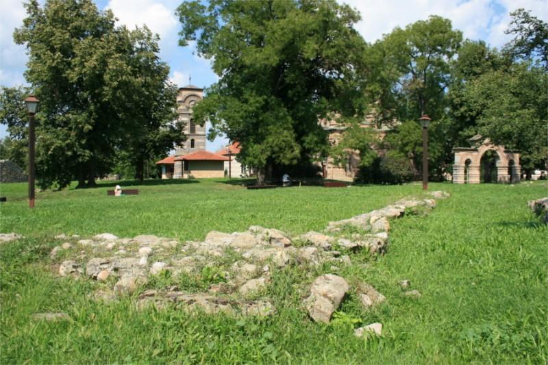 Lazarev-grad-stari-dvor-crkva