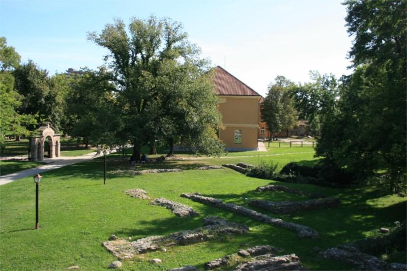 Lazarev-grad-stari-dvor-konjusnica